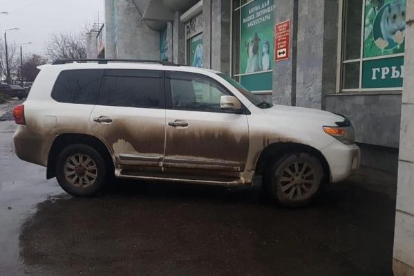 В машине никого не было. Егор Заворохин пишет: «Вовремя меня высадили»