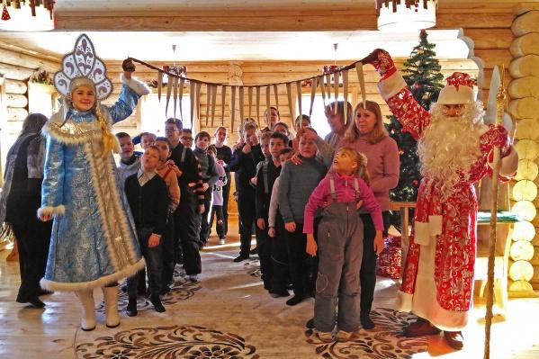 В посёлке Садовый под Новосибирском появилась ещё одна усадьба Деда Мороза