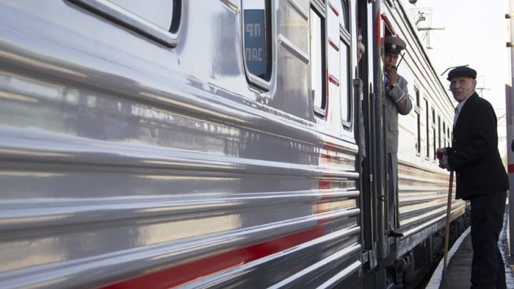 Старинный паровоз прокатит зауральских ветеранов под мелодии на баяне