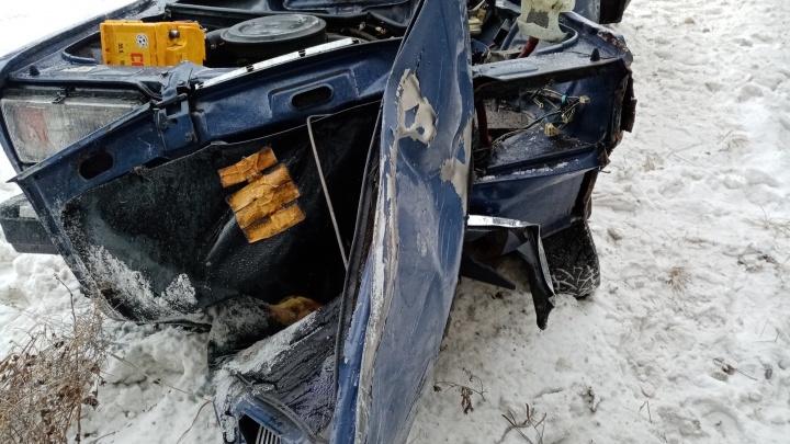 На трассе Екатеринбург — Тюмень погибли супруги, чью машину снесла фура