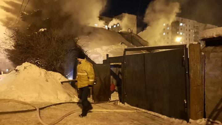 Трое погибших, один в реанимации. Подробности и предварительные причины пожара дома на Лопарева