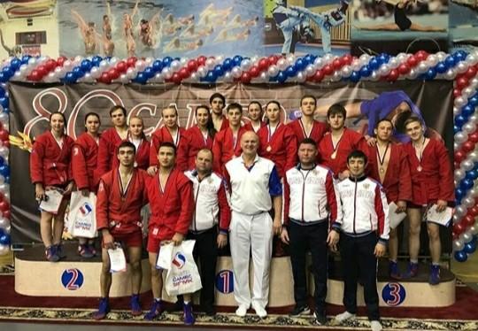 Зауральские самбисты завоевали более 40 медалей на первенстве Уральского федерального округа