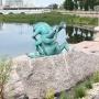 Не поцеловать, так потереть: на набережной в Челябинске появились бронзовые лягушки