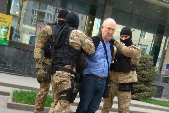 Игоря Пятигорца задержали у бизнес-центра Clover House