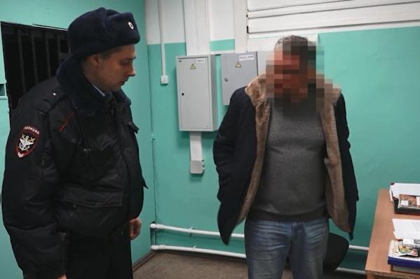 Полицейские поместили пассажира в спецприёмник для административно задержанных