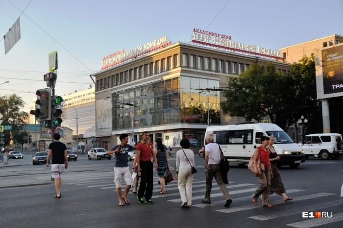 На ночь для транспорта закроют перекресток Ленина — Карла Либкнехта
