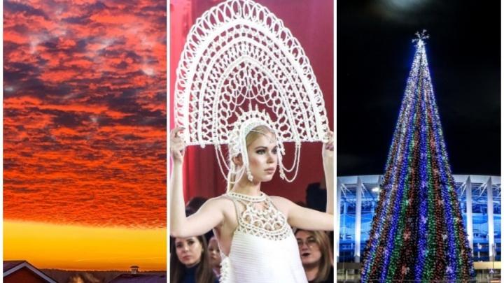 Лучшие фото этой недели: фантастический рассвет, зеленая трава, елки и «Matryoshka-fashion-week»