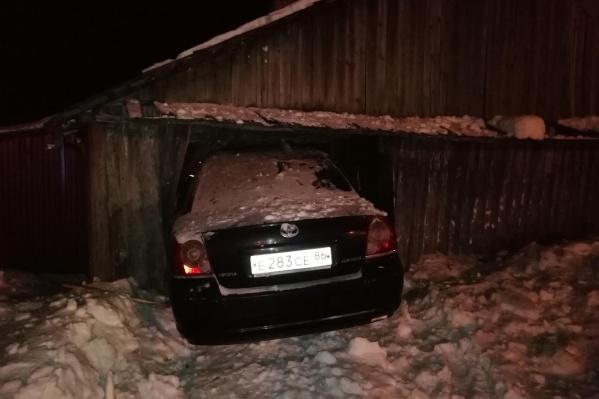 Авария произошла поздно вечером на улице Загородной в Ялуторовске