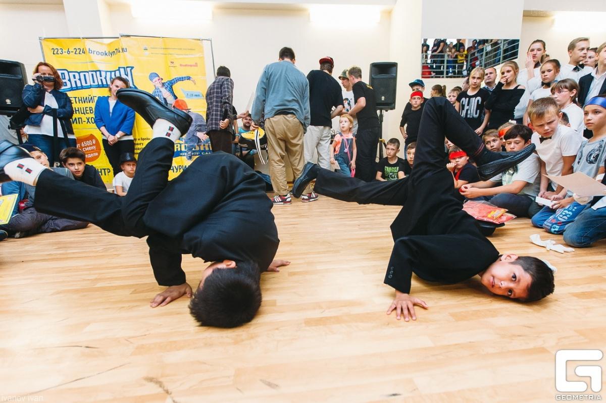 В хип-хоп лагере Brooklyn дети занимаются тем, что по-настоящему круто, а родители знают, что их ребенок находится в атмосфере творчества