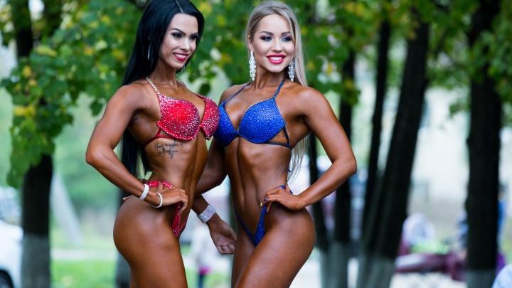 Сексуальные красотки и мускулистые мужчины: самые горячие фото с чемпионата по бодибилдингу