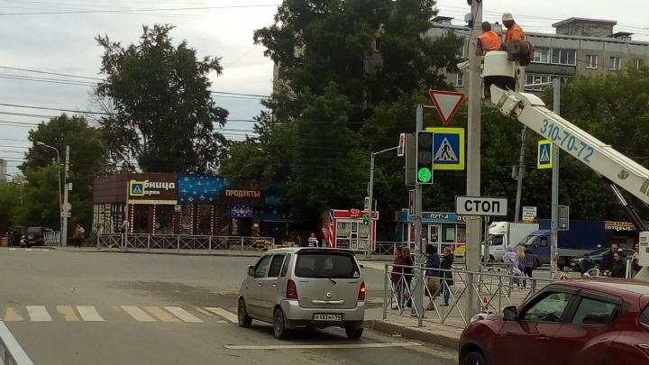 На улице Бориса Богаткова появились камеры видеофиксации для лихачей