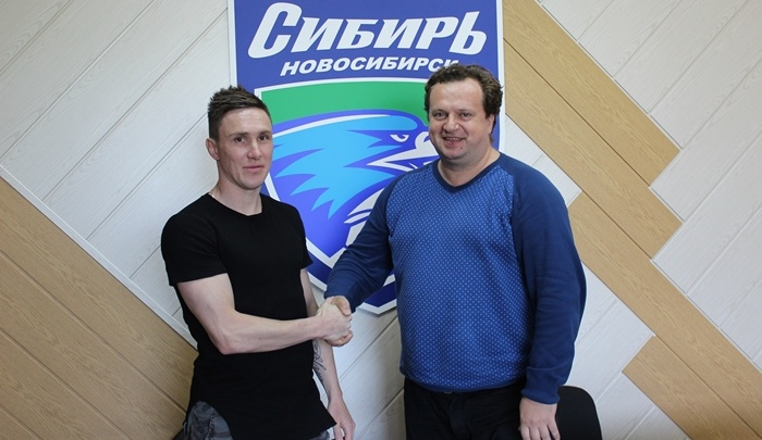 Футбол: ФК «Сибирь» заключил новый контракт с Романом Беляевым