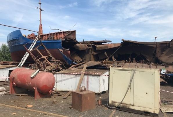 Пять лет за три смерти: дело о взрыве на барже в Волжском передали в суд