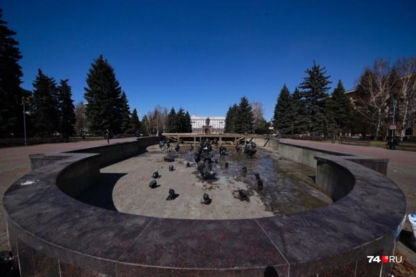 Первым в этом году готовят к открытию фонтан на Театральной площади