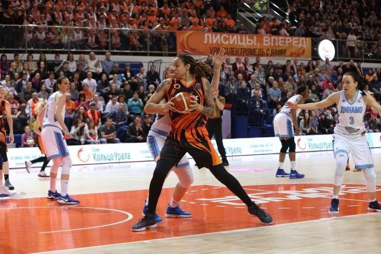 Баскетболистки УГМК стали чемпионками России в десятый раз подряд