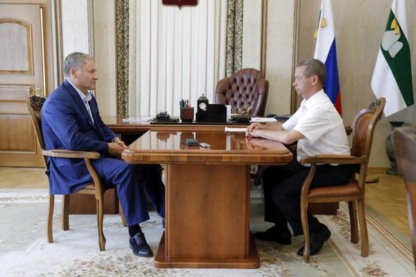 Глава Зауралья обсудил недопонимание мэра и думы Катайска с главой района