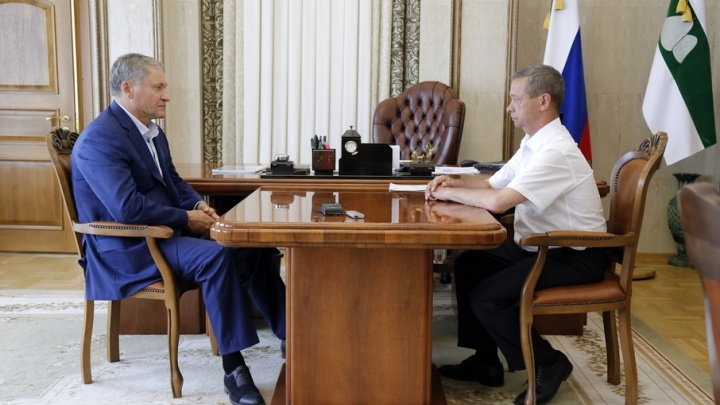 Алексей Кокорин отправится в Катайск, чтобы лично разрешить конфликт между мэром города и думой