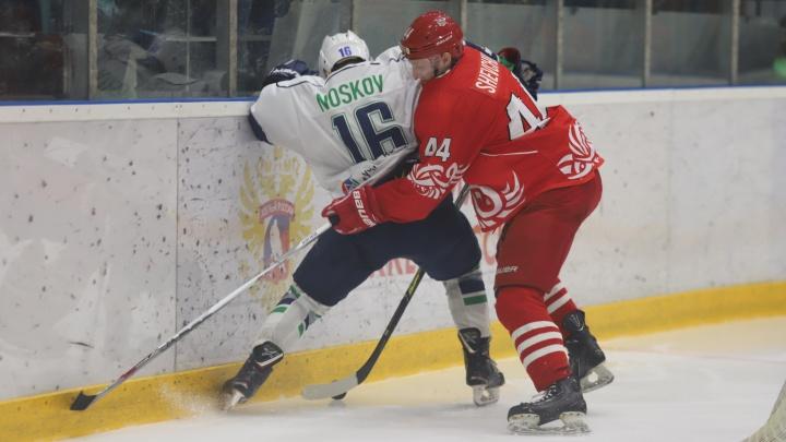 ХК «Ростов» лишился шансов на выход в плей-офф ВХЛ. Публикуем фотографии последнего домашнего матча
