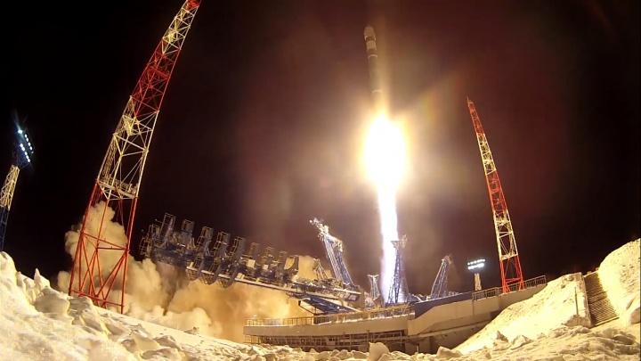 Ракету-носитель «Союз-2.1в» с военным спутником на борту запустили на космодроме Плесецк