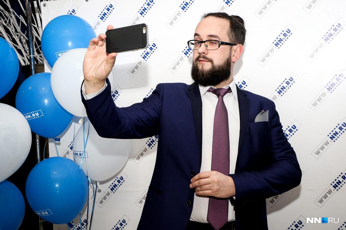 Бессменный ведущий «Дня нижегородского интернета» — Дмитрий Турцев. Ну и да, он тоже форумчанин сайта
