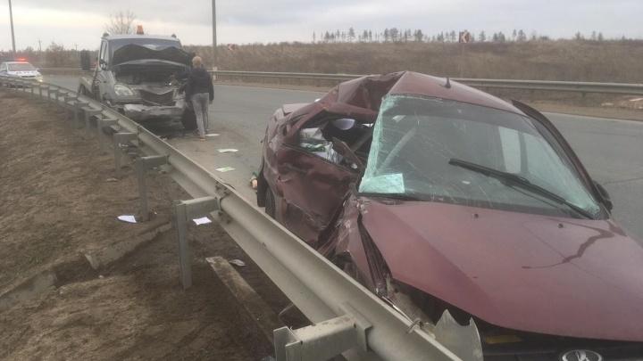 Дорожный рикошет: под Тольятти водитель «Гранты» погиб в страшной аварии с эвакуатором
