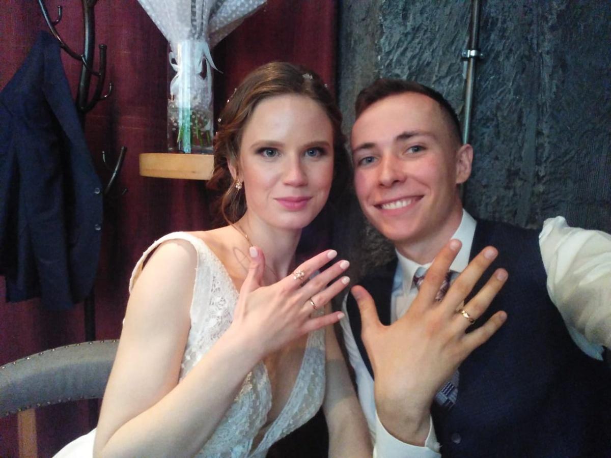 За два месяца до этого ребята поженились