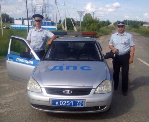Тюменские полицейские помогли дальнобойщику с глубоким порезом руки