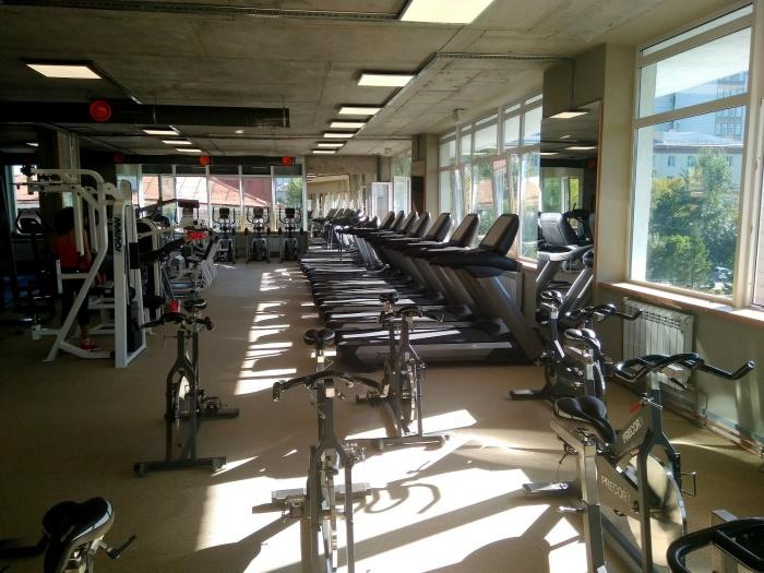 На Красном проспекте заработал фитнес-центр с сауной, вениками и парковкой