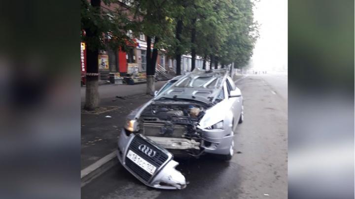 Водитель на Audi сбил насмерть парня в Уфе: появились первые фотографии и видео с места аварии