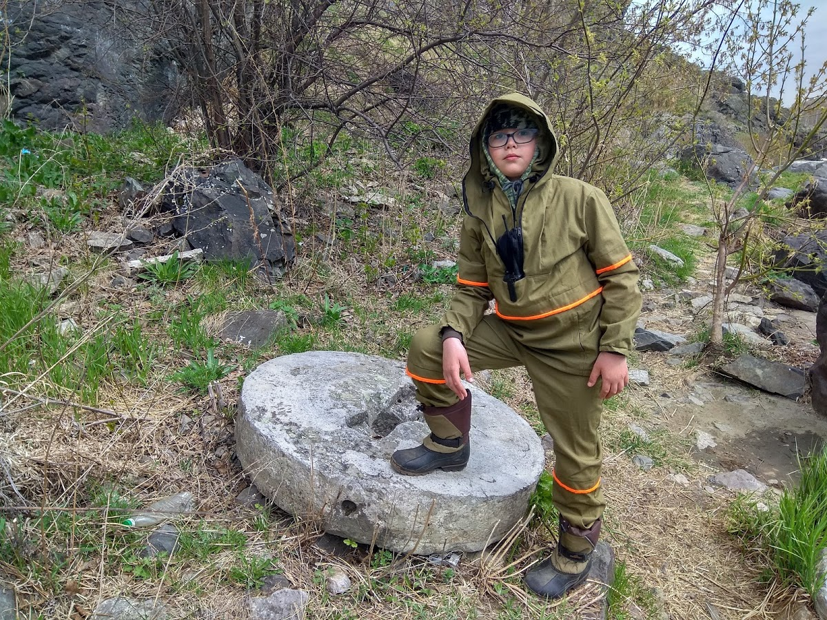 Алексей Марков: «На берегу натыкаемся на жернова, оставшиеся как напоминание о когда-то стоящей здесь мельнице»