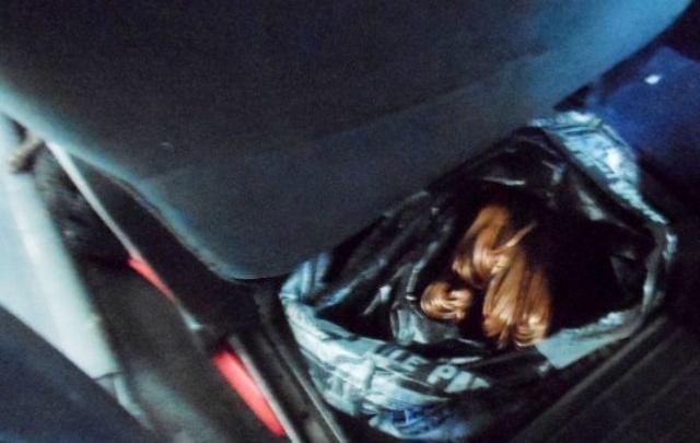 Спрятал в дверях: в Ростовской области таможенники нашли в машине украинца 100 килограммов железа