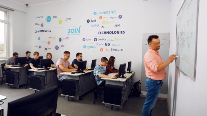 Новые возможности для успешного будущего: в Красноярске открылась компьютерная академия «ШАГ»