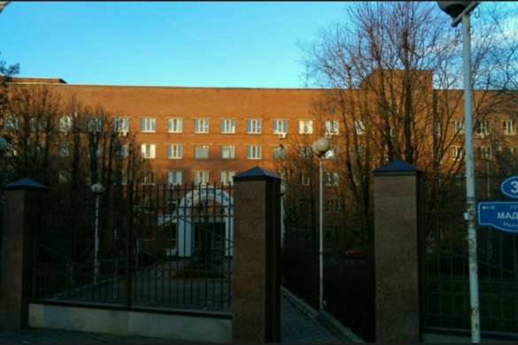 Зданиеакушерского отделения роддома №5 построено больше 80 лет назад