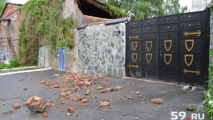 «Была угроза для людей»: в Перми после падения стены в кафе «Никала Пиросмани» завели уголовное дело