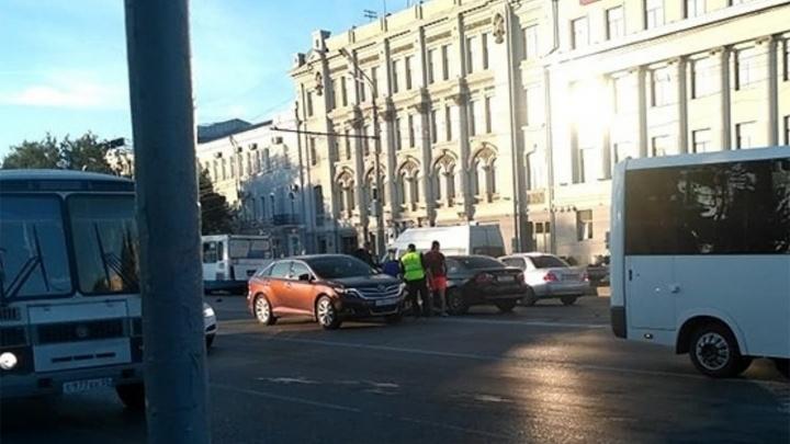 Водитель BMW, который насмерть сбил росгвардейца у мэрии, отказался признать свою вину