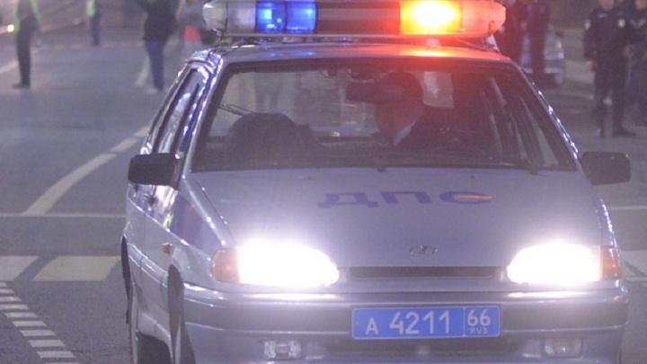 Вышел на проезжую часть прямо перед автомобилем: в Красноуфимске ночью водитель сбил пьяного пешехода