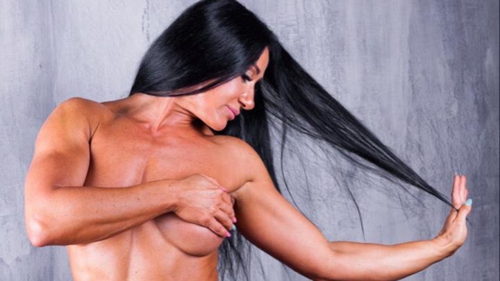 «Соперниц среди молоденьких у меня нет»: 40-летняя нижегородка Лена Терминатор о съёмках для Playboy