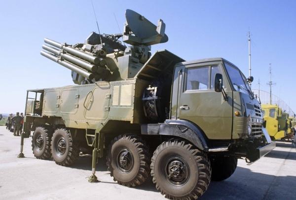 В Екатеринбурге военные на глазах зрителей разберут и соберут уазик и устроят салют