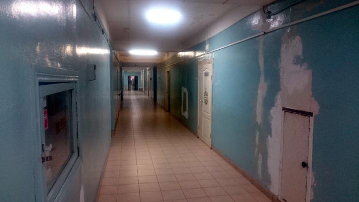 «Умирать в больнице он не хочет»: в больнице Амурского посёлка мужчине отказались делать перевязку