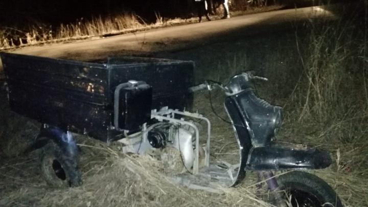 В Истоке подростки на мотороллере врезались в легковушку, а ее отбросило на пешехода