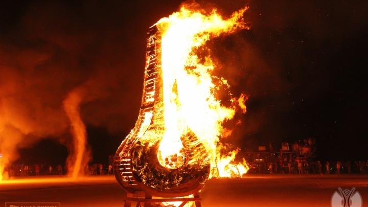 На американский фестиваль, где жгут огромные деревянные фигуры, впервые поедут уральские художники