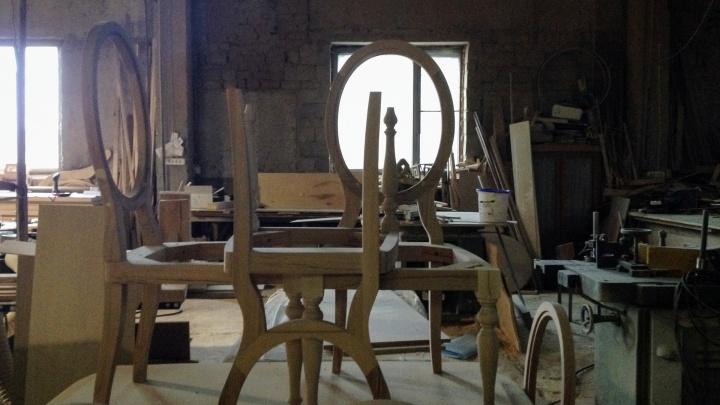 «Продолжает принимать заказы»: челябинский бизнесмен исчез, взяв с клиентов предоплату за мебель