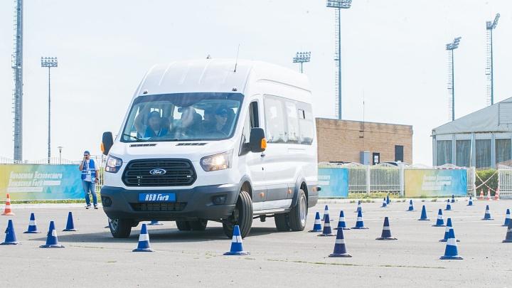 Водителей «Башавтотранса» учат ездить без аварий: смотрим на урок в режиме онлайн