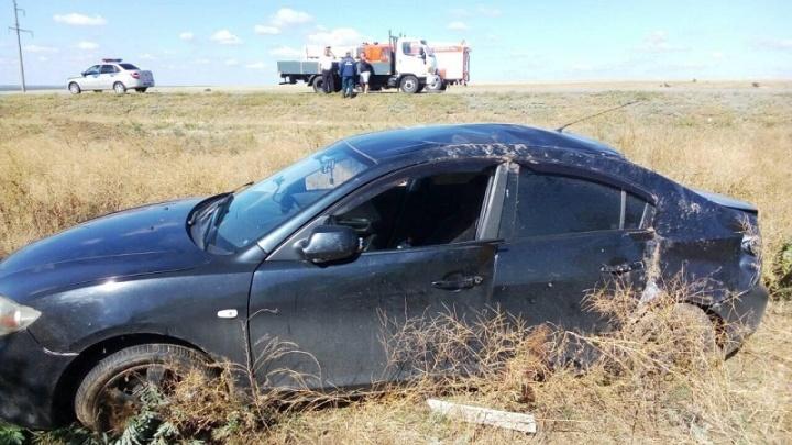 Вылетела в кювет и перевернулась: в аварии на трассе Волгоградской области пострадал ребенок