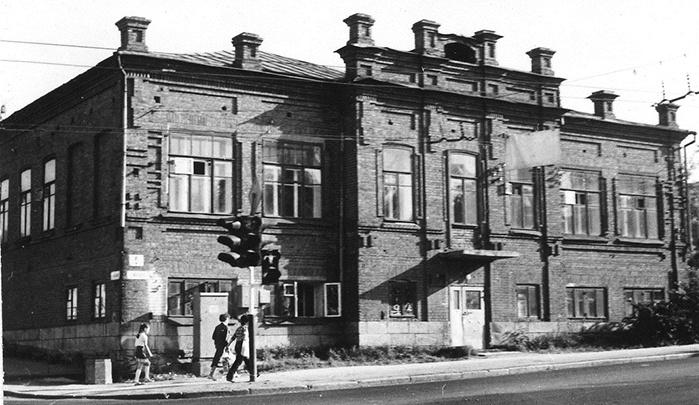 Здание бывшей земской школы после ремонта займут «Особые люди»