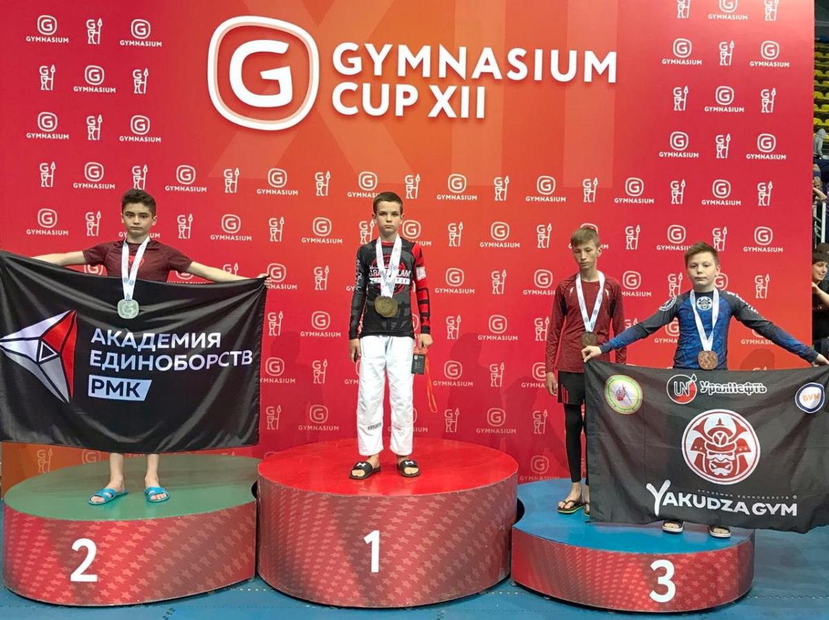 Среди мальчиков отличилсяРахмон Аюбов, он завоевал серебро