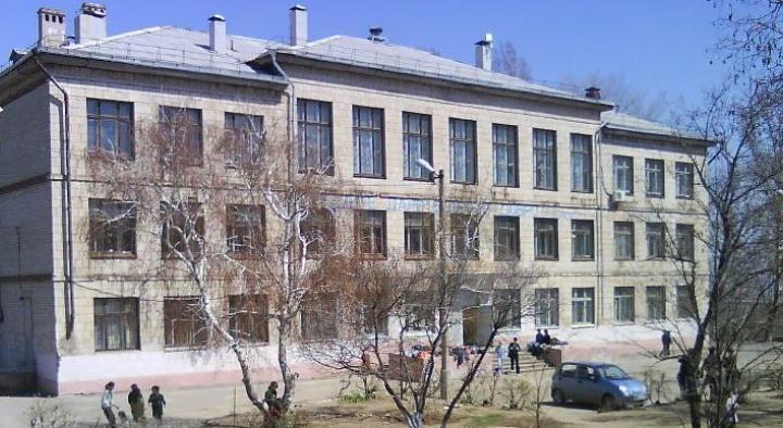 В Волгограде эвакуировали четыре школы