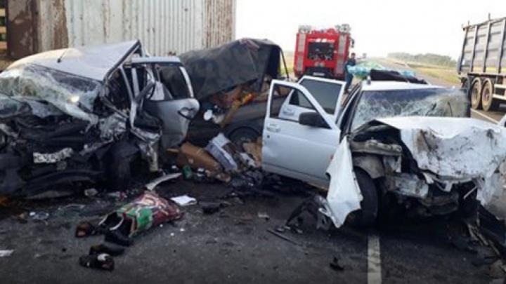 Страшная авария под Волгоградом: список погибших и пострадавших