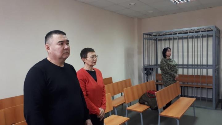 В Екатеринбурге осудили бизнесмена, который продал несуществующие трубы на 35 миллионов рублей