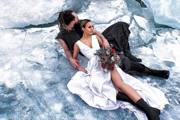 Послесвадебную фотосессию на Бирюсе выложил барбер Денис Юшин. Очень красиво!